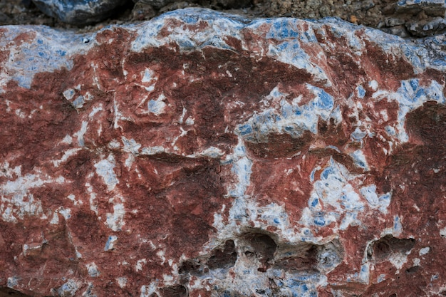 Primer plano de la roca roja