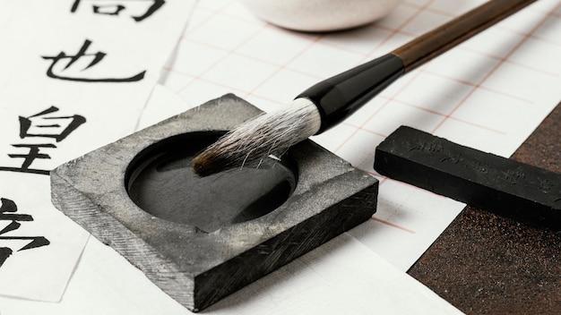Primer plano de surtido de tinta china