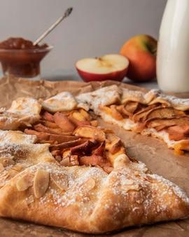 Primer plano de tarta de manzana casera