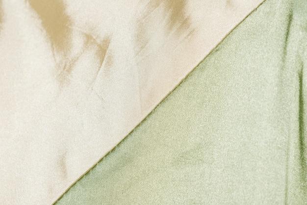 Primer plano de tela de seda pálida