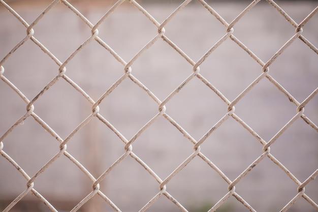 Primer plano de la valla de malla de alambre