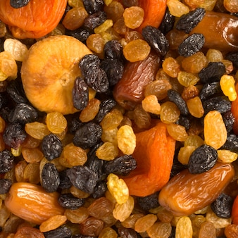 Primer plano de varias frutas secas