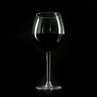 Primer plano de vidrio con vino