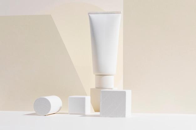Primer recipiente de mantequilla corporal