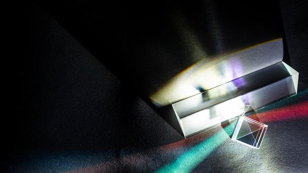 Prisma de refracción de rayos de física óptica