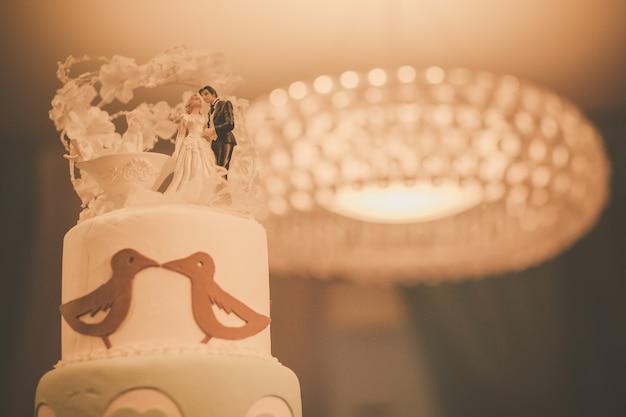 Proceso de pastel de bodas con filtro