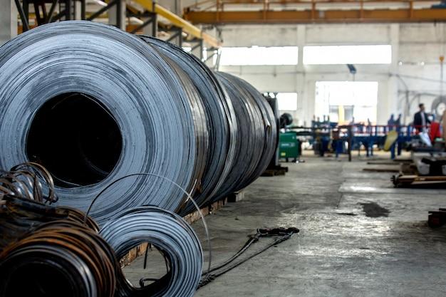Proceso de trabajo en fábrica de acero.