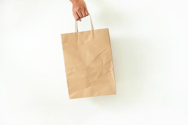 Producto del paquete de consumo hombre muestra bolsa de muestra de maqueta