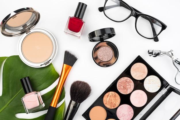 Productos de belleza en plano