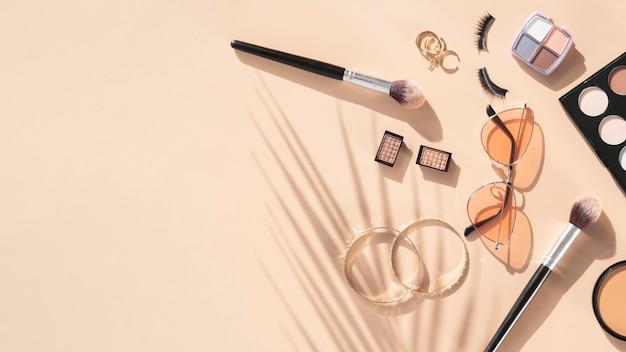 Productos cosméticos de belleza con espacio de copia