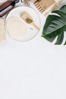 Productos cosméticos sin desperdicio, concepto de estilo de vida sostenible, endecha plana