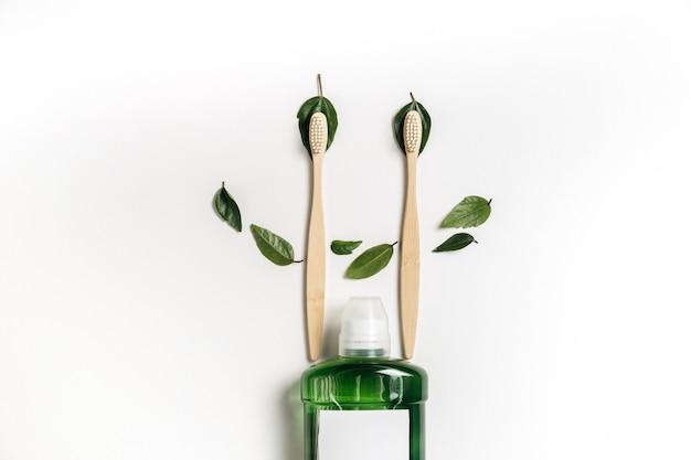 Productos para el cuidado bucal. concepto de higiene dental. lay flat