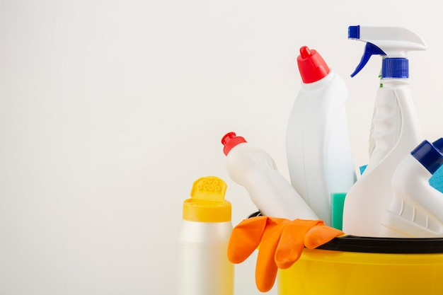 Productos de limpieza con espacio de copia