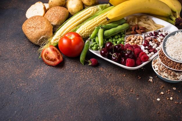 Productos saludables fuentes de hidratos de carbono.