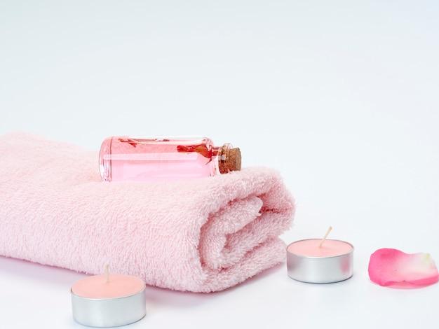 Productos de spa de aceite esencial de rosa