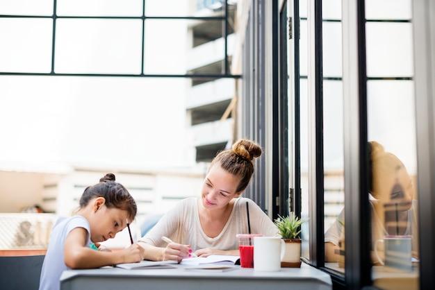 Profesora estudiante tutor tarea tarea concepto