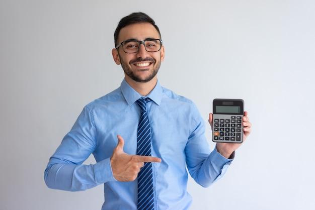 Programa de préstamo publicitario alegre banquero