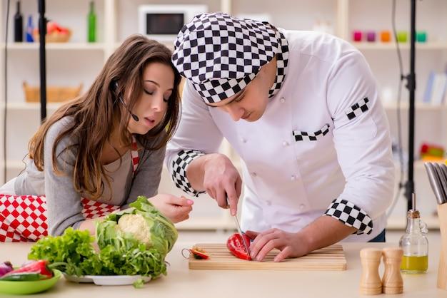 Programa de televisión para cocinar alimentos