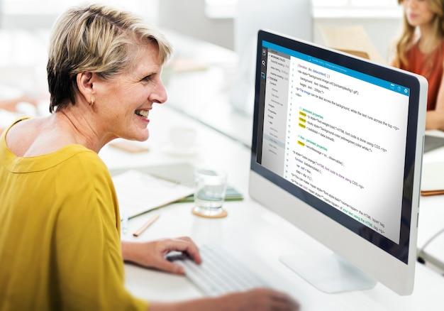 Programación php codificación html concepto del ciberespacio