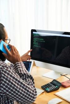Programador en oficina
