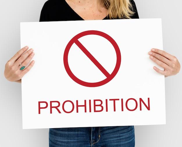 Prohibición prevenir precaución terminar advertencia riesgo