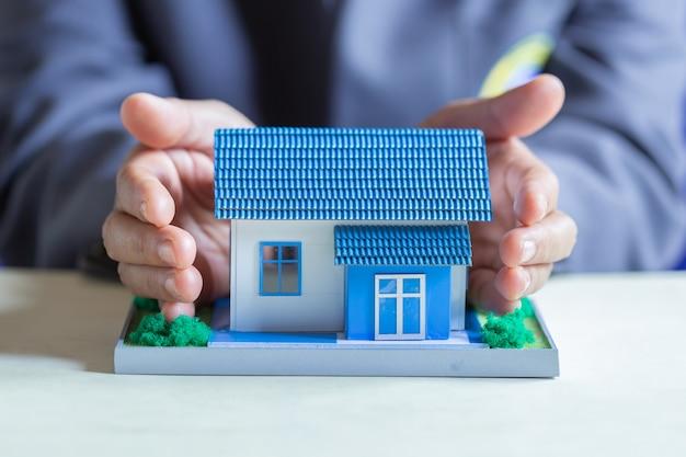 Protección de la casa en un banco.