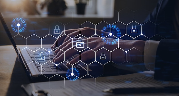 Proteger una seguridad cibernética de los ataques de piratas informáticos y guardar datos confidenciales