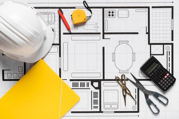 Proyecto arquitectónico con disposición de diferentes herramientas.