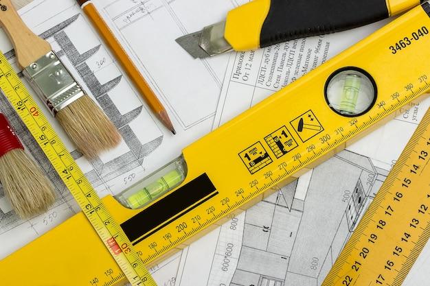 Proyecto de construcción y herramientas