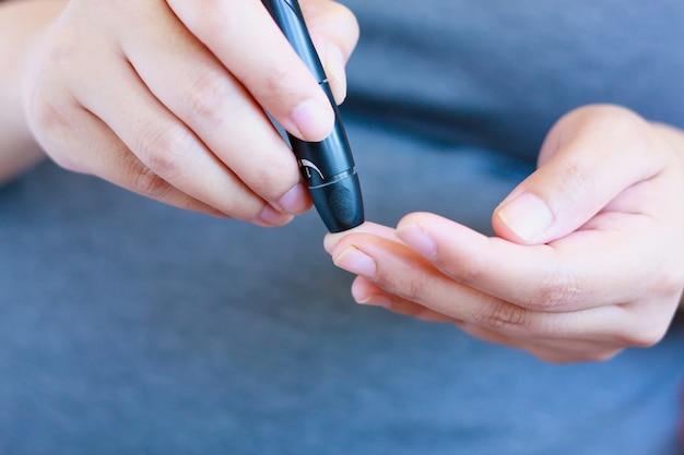 Prueba de glucosa en sangre para la diabetes en mujeres embarazadas