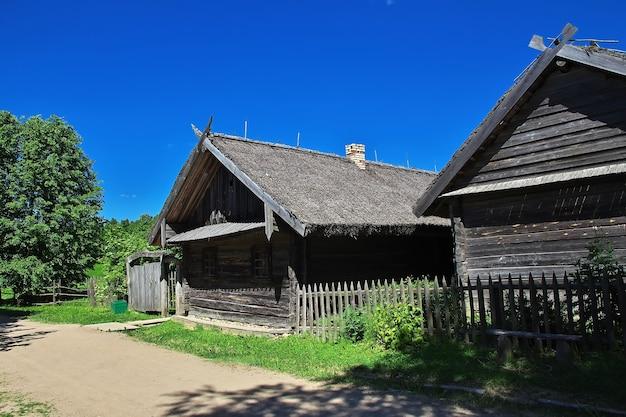 Pueblo de ozertso en el país de bielorrusia