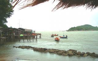 Pueblo pesquero tailandés