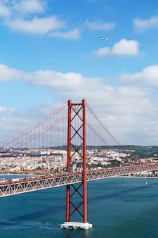 Puente 25 de abril en portugal.