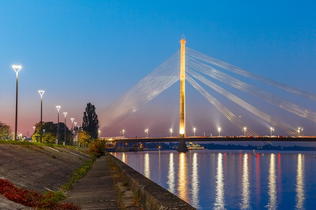 Puente atirantado y daugava, riga, letonia