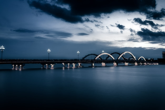 El puente con ciudad