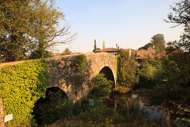 Puente medieval en furelos.