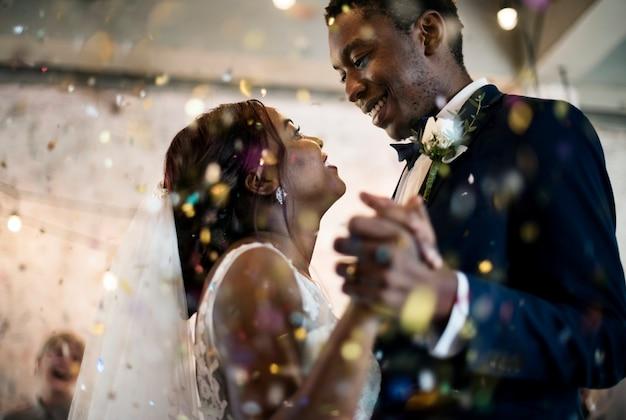 Puente y novio dia de la boda