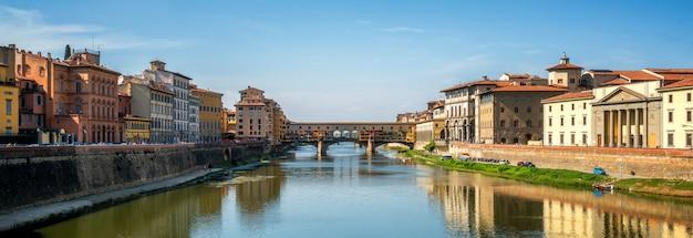 Puente ponte vecchio en florencia - italia