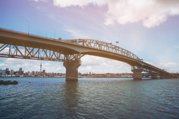 Puente del puerto de auckland en auckland, nueva zelanda