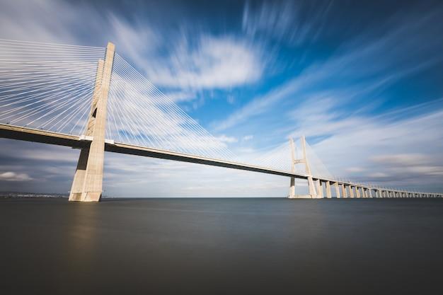 Puente vasco da gama en lisboa