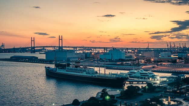 Puerto marítimo del buque