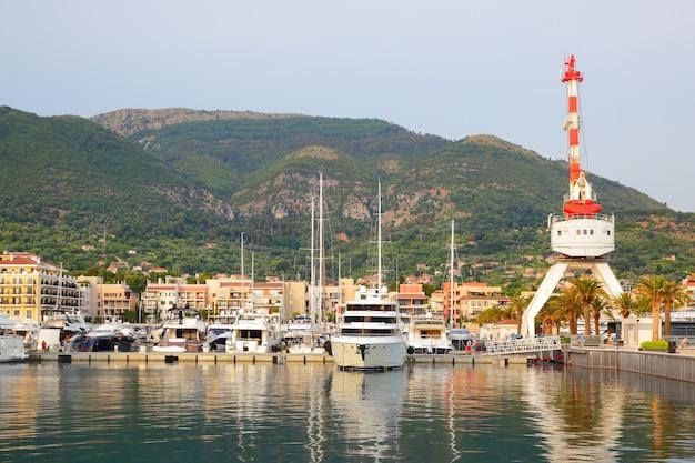 Puerto de tivat, montenegro