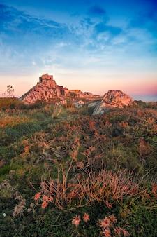 El punto de vista más alto de la región de sintra, santuario da peninha, portugal.