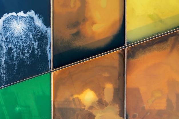 Purificación de agua paso a paso, desde agua oxidada hasta azul, todos los niveles de purificación de agua de la ciudad. piscinas multicolores con agua