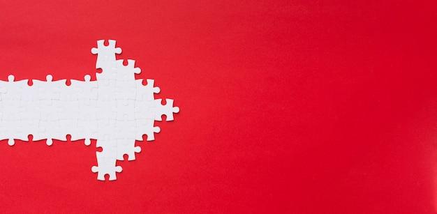 Puzzle piezas flecha con espacio de copia