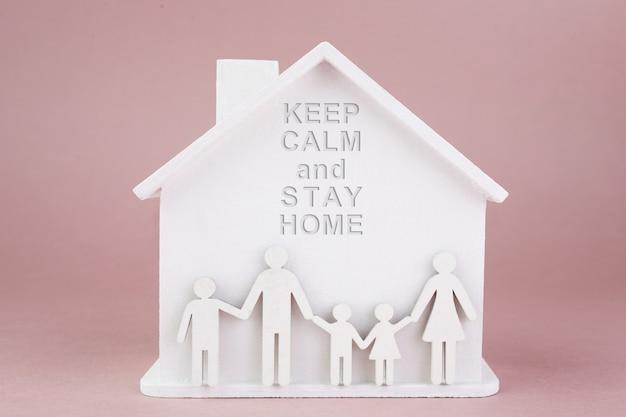 Quedarse en casa concepto. cuarentena en casa. concepto de brote de coronavirus. pandemia de coronavirus. concepto de familia