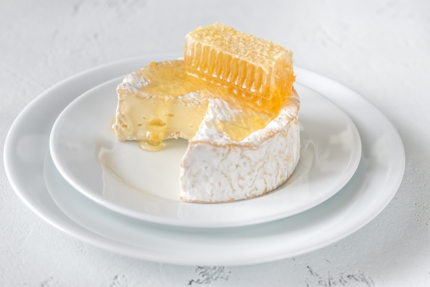 Queso camembert con panales