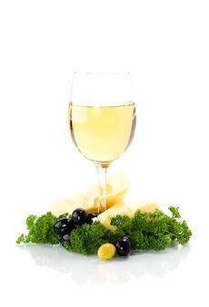Queso y vino blanco