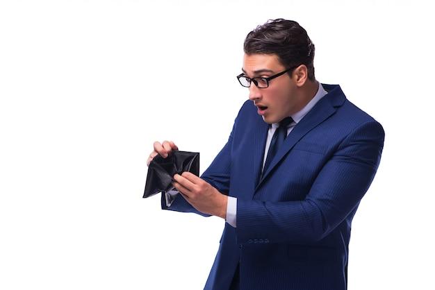 Quiebra quiebra empresario con billetera vacía sobre fondo blanco.