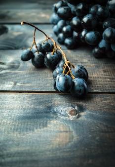 Racimo de uvas negras
